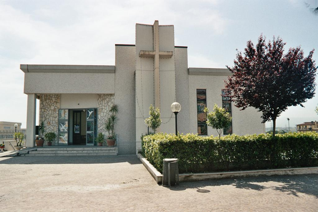 Chiese Case Rosse Guidonia